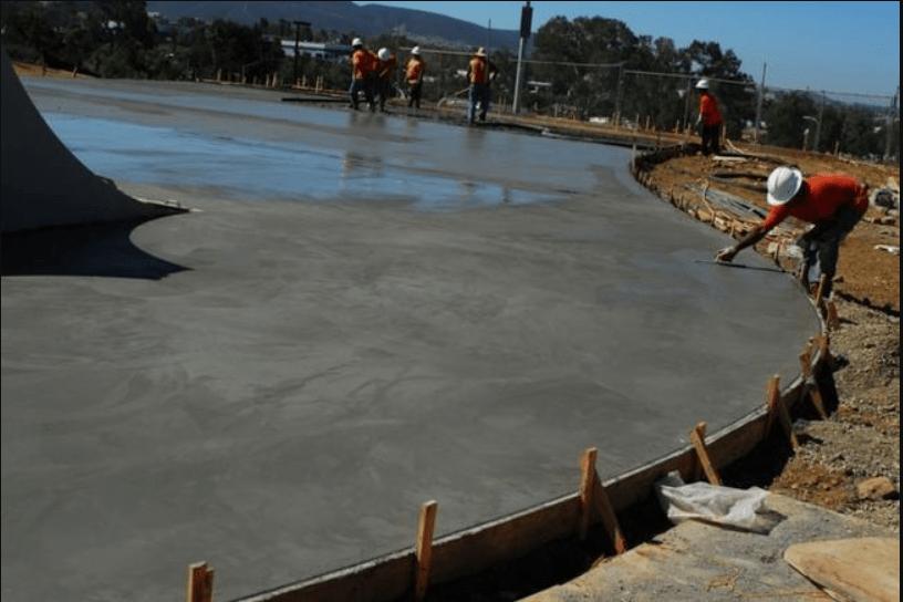 Бетоны прочность таблица расслоение бетонной смеси при укладке