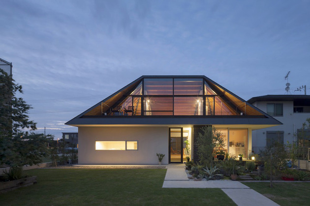 japanese house with hipped glass roof 1 thumb 630xauto 34007 Hipped Glass Roof House